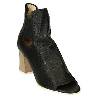 Heeled ankle boots open toe in black leather
