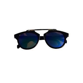 Unieke urban rock zonnebril met edgy groene glazen